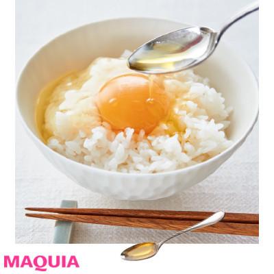 【インナービューティー | 食事やドリンク、サプリなどダイエットにもおすすめのインナーケアとその効果は?】_アマニ油やえごま油はスプーン1杯をちょい足しすればOK! 卵かけご飯