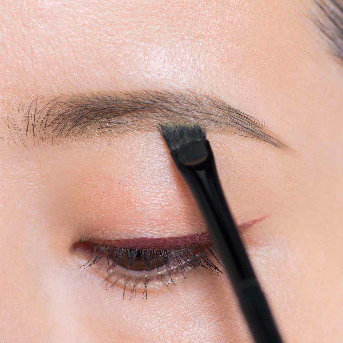 【トレンド眉メイク】地眉がかなり細い場合の今どき顔メイクテク5