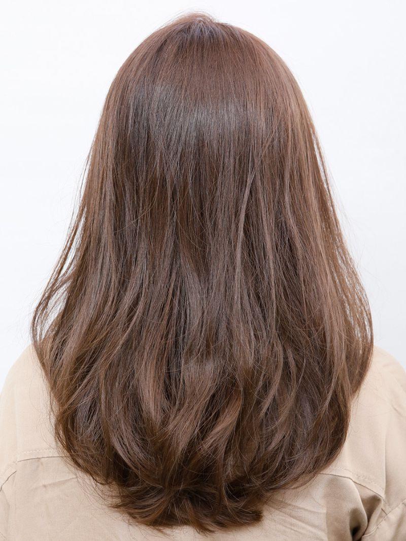 【ヘアカタログ | 髪型別・前髪ありのおすすめヘアアレンジまとめ】ロング_小顔効果バツグンのサイドバングで、一枚ウワテなおしゃれロングに!