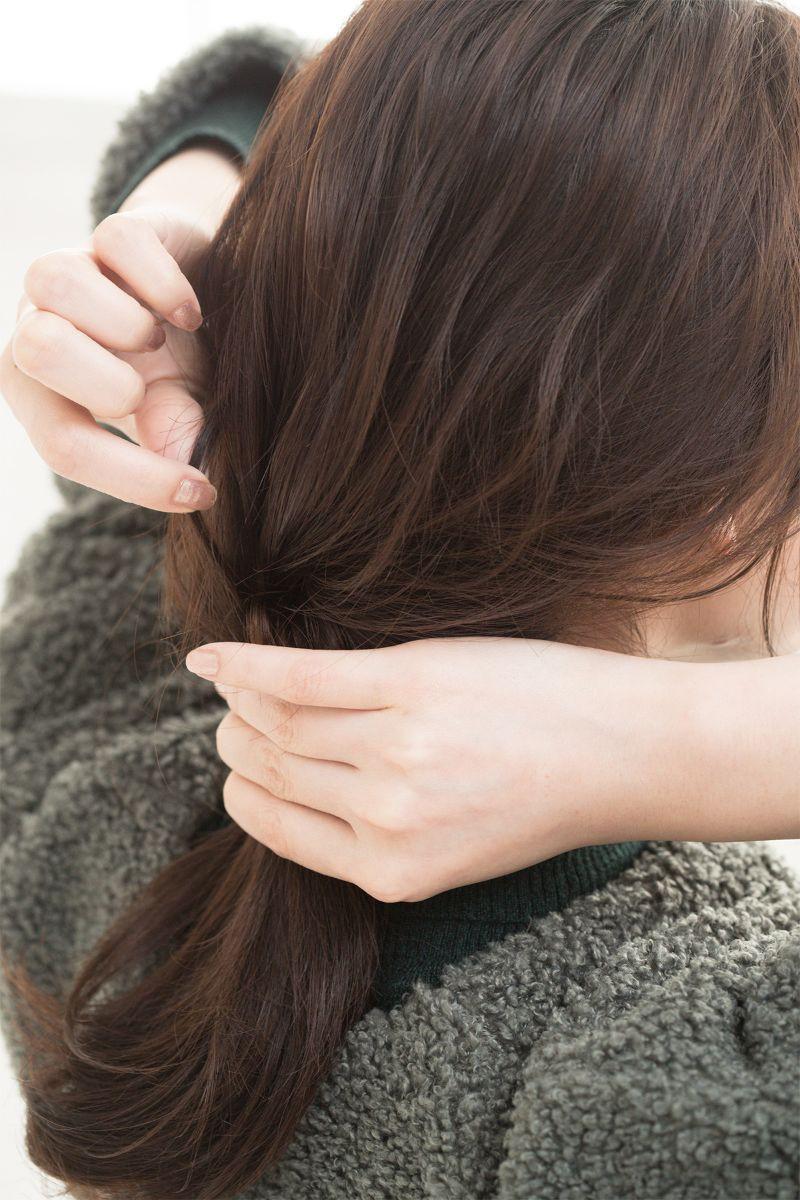 【ヘアカタログ | 髪型別・前髪ありのおすすめヘアアレンジまとめ】ねじりツイストで、上級カジュアルスタイル_5
