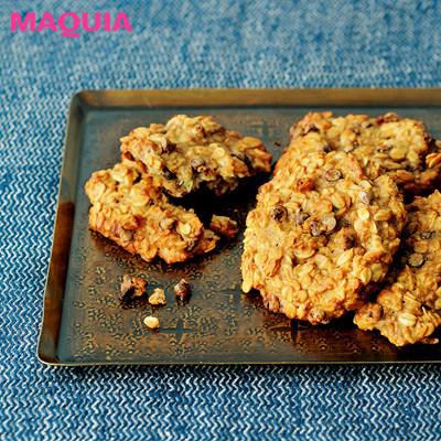 【加治ひとみさんのトレーニングや腹筋の鍛え方、食事、ダイエットなど美尻の秘密】「おやつは食物繊維たっぷりの手作り美腸クッキーを」_