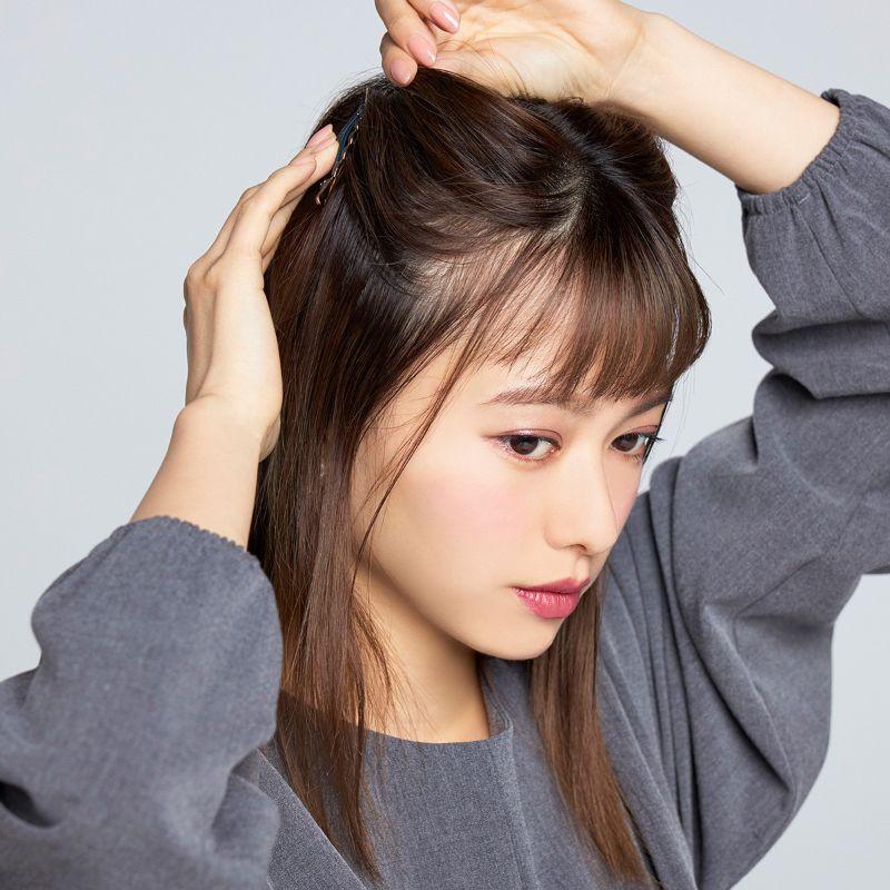 【ヘアカタログ | 髪型別・前髪ありのおすすめヘアアレンジまとめ】新生・三角ハーフアップ_4