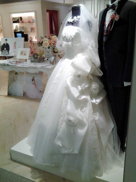 ウェディングドレスの試着室よりお届けします【花嫁美容】