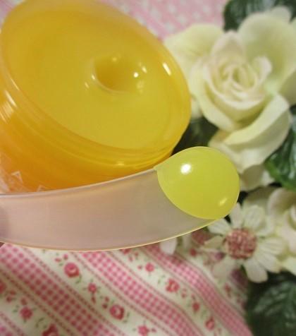 オレンジの香りのバームでメイク落とし「ラフラ バームオレンジ」