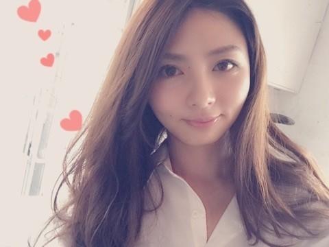 https://maquia.hpplus.jp/blog/account/739_maquia/makeup/EAaFkHI