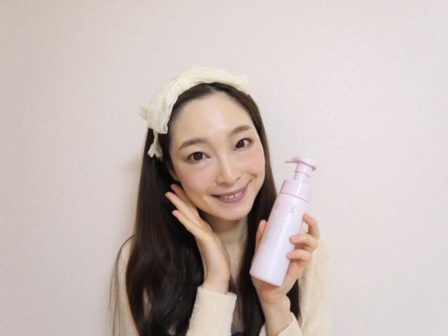 美容液成分94%で洗顔後の肌が滑らか。朝専用の洗顔フォーム★
