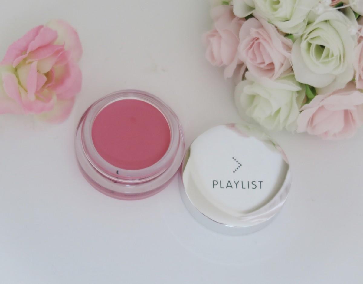 クリームチークでじんわり優しいピンク色の頬に♪